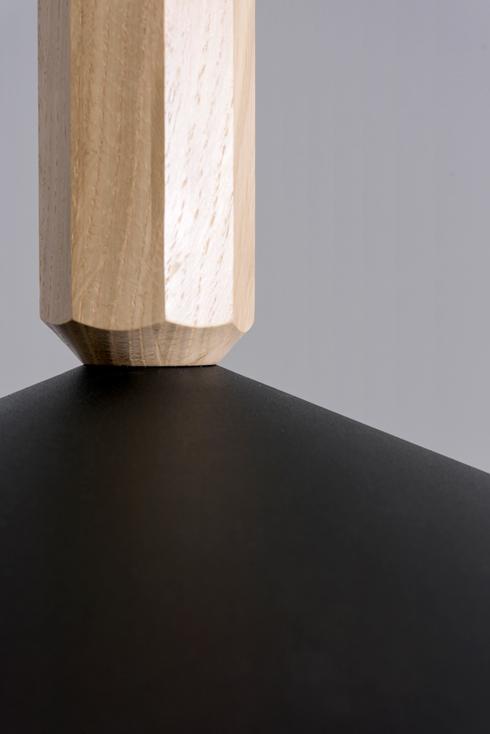 מנורה של ניגודים. אסף וינברום (צילום: באדיבות צבע טרי)