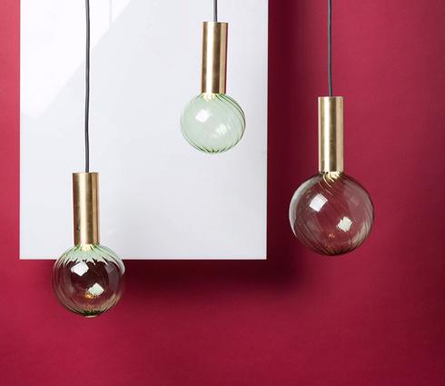 המנורות התלויות של הילה שמיע (צילום: באדיבות צבע טרי)