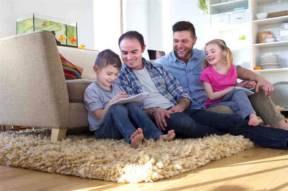 A same-sex family (Illustration: Shutterstock)