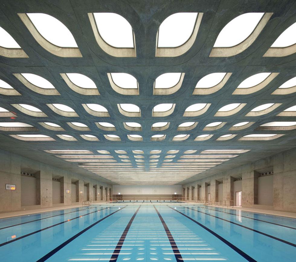 מרכז השחייה והחתירה של אולימפיאדת לונדון 2012. חדיד היטיבה לנצל טכנולוגיות עכשוויות ותוכנות ממוחשבות באדריכלות שלה (באדיבות Zaha Hadid Architects)