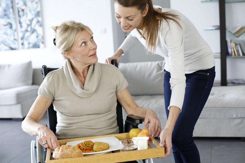 קהילה תומכת לקשישים (צילום: shutterstock) (צילום: shutterstock)
