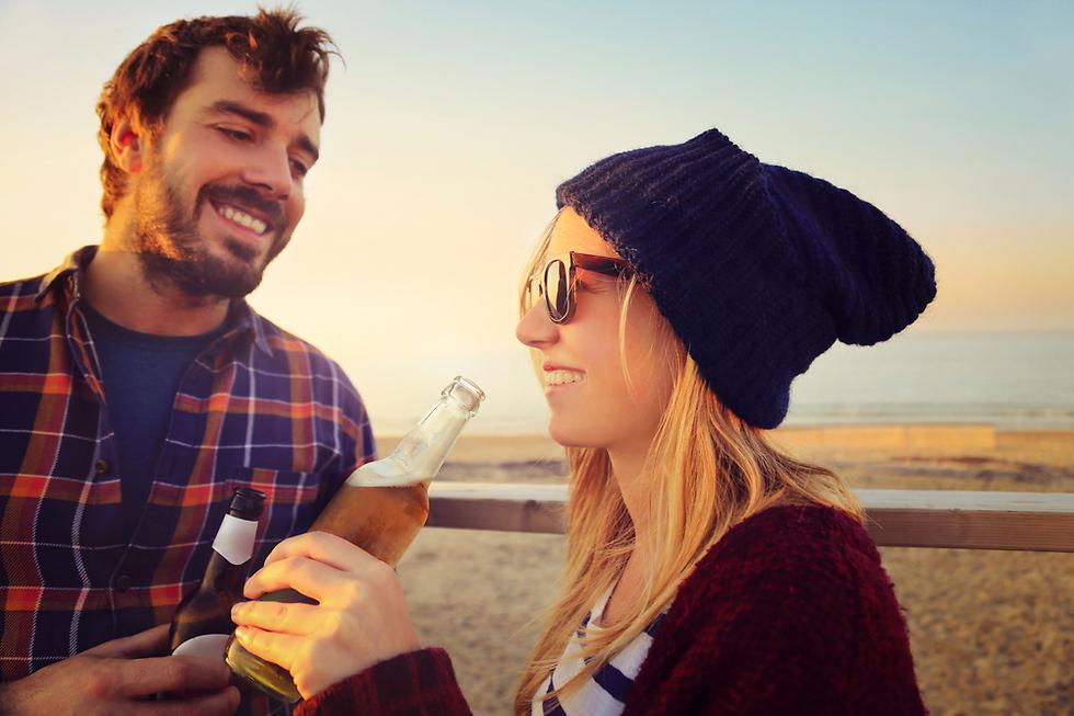 אפשר לשתות בצורה מדודה. אתם לא רוצים לעשות לעצמכם בושות כמובן (צילום: Shutterstock) (צילום: Shutterstock)