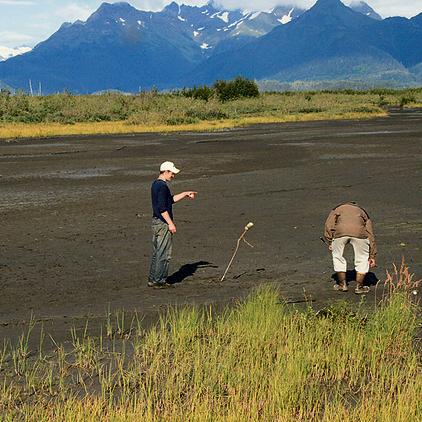 מגרש גולף מאולתר בעיירה קורדובה אלסקה   צילום: עופר גלמונד