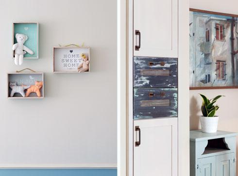 תכולים וטבעיים בארון הקיר שמול פינת האוכל ובקוביות העץ שנתלו כמדפים בחדר הנכדים (צילום: גדעון לוין)