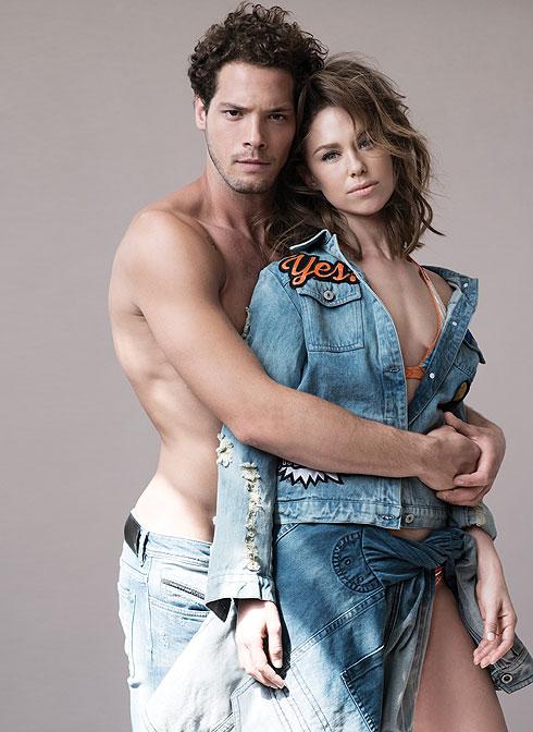 """דנה: ז'קט ג'ינס פאצ'ים, עדיקה, 109 שקל; ז'קט ג'ינס כרוך במתן, דיזל 1,400 שקל; בגד ים ביקיני, מיסוני ל""""אמור"""", 2,192 שקל. דורון: מכנסי ג'ינס, דיזל, 950 שקל (צילום: עידו לביא, סטיילינג: מיקי ממון ל""""סולו"""")"""