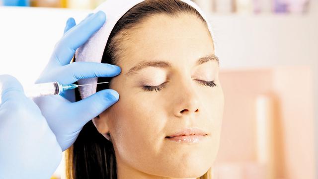מאפשר מילוי ומתחית פנים ללא ניתוח. חומצה היאלורונית (צילום: shutterstock) (צילום: shutterstock)