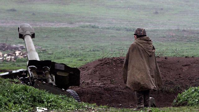 עמדת ארטילריה ארמנית בנגורנו-קרבאך (צילום: EPA)