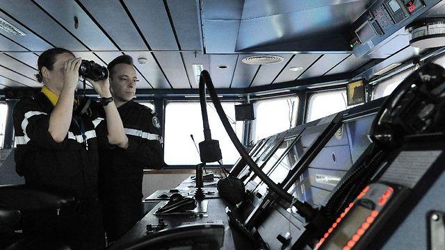בספינה של חיל הים הצרפתי (צילום: AFP) (צילום: AFP)