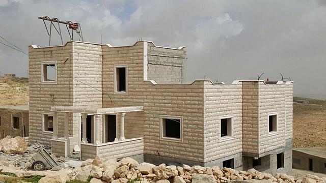 הבנייה הפלסטינית בדרום הר חברון. לא נאכפת? (צילום: תנועת רגבים) (צילום: תנועת רגבים)