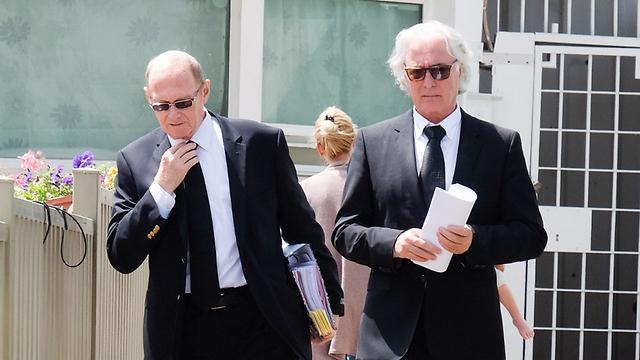 עורכי הדין של קצב, אחרי הדיון בוועדת השחרורים (צילום: יריב כץ) (צילום: יריב כץ)
