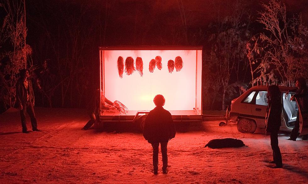"""""""המלנכוליה של הדרקונים"""". פיליפ קן בתיאטרון חזותי קסום  (צילום: Martin Argyroglo)"""