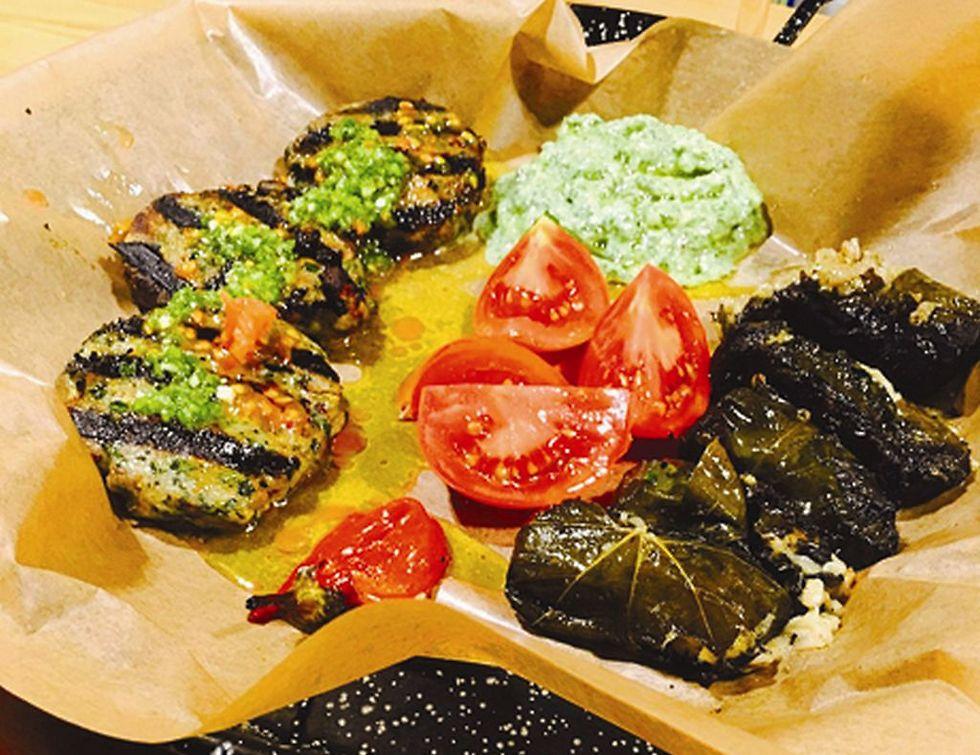 קבב ים - אוכל יצירתי עם השפעות מאייל שני (צילום: שחר גלאס)