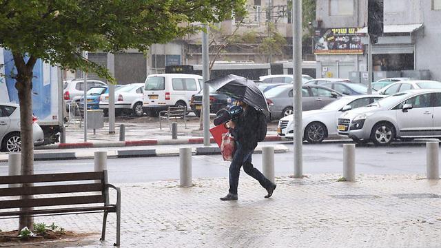 Rain in Tel Aviv (Photo: Motti Kimchi) (Photo: Motti Kimchi)