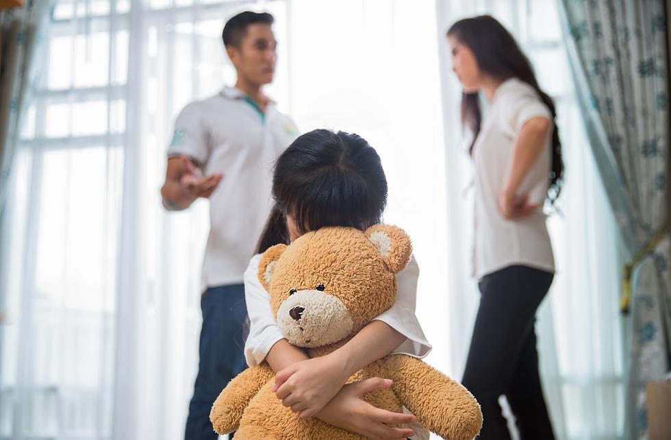 הילדים נתקעים באמצע (צילום: Shutterstock)