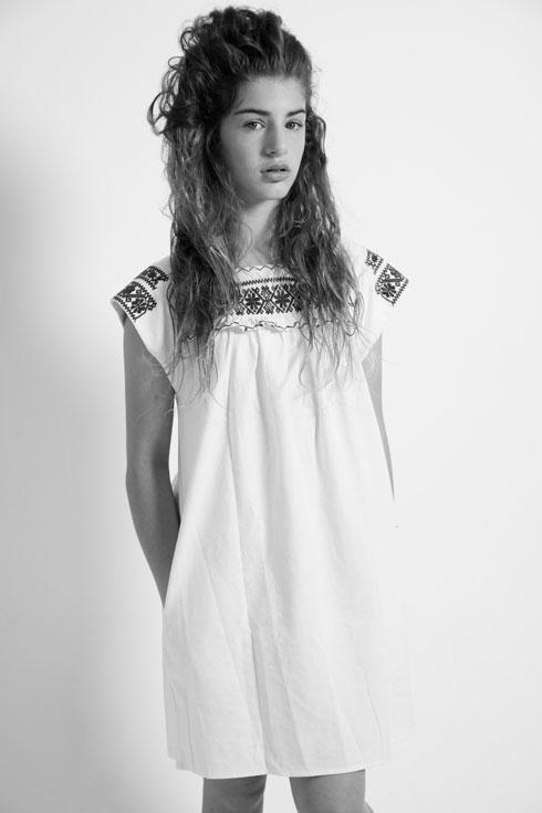 שמלה רקומה, רשת עמנואל  (צילום: יניב אדרי)