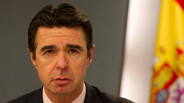 גם הוא הלך. שר התעשייה הספרדי  (תילום: AFP)