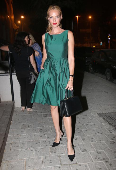 """""""בתמונה הזו אני לובשת שמלה של המותג מיס גיישה"""" (צילום: ענת מוסברג)"""
