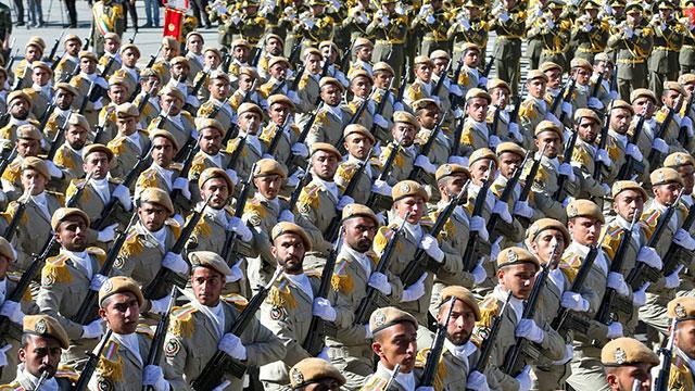 Iranian troops at military parade in Tehran (Photo: AP) (Photo: AP)