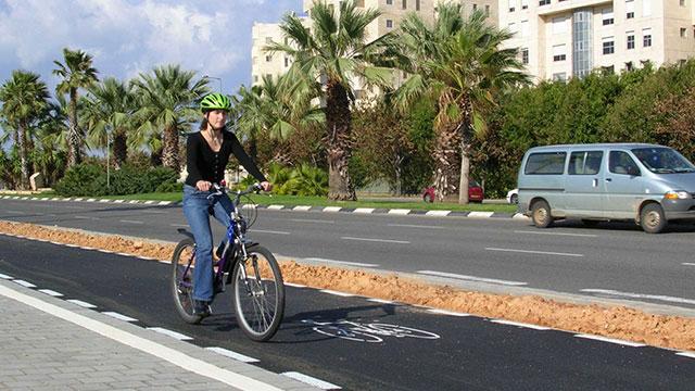 """""""בתוך העיר אפשר להקים רשת שבילי אופניים"""" (צילום: דוברות עיריית תל אביב יפו) (צילום: דוברות עיריית תל אביב יפו)"""