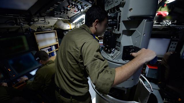 """""""אי אפשר להימנע ממגע פיזי בצוללת"""" (צילום: דובר צה""""ל) (צילום: דובר צה"""
