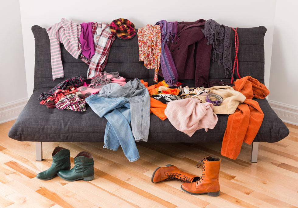 קחו שקית זבל, והכניסו לאליה את כל הבגדים והחפצים שאתם יודעים שלא תשמשו בהם יותר לעולם (צילום: Shutterstock)