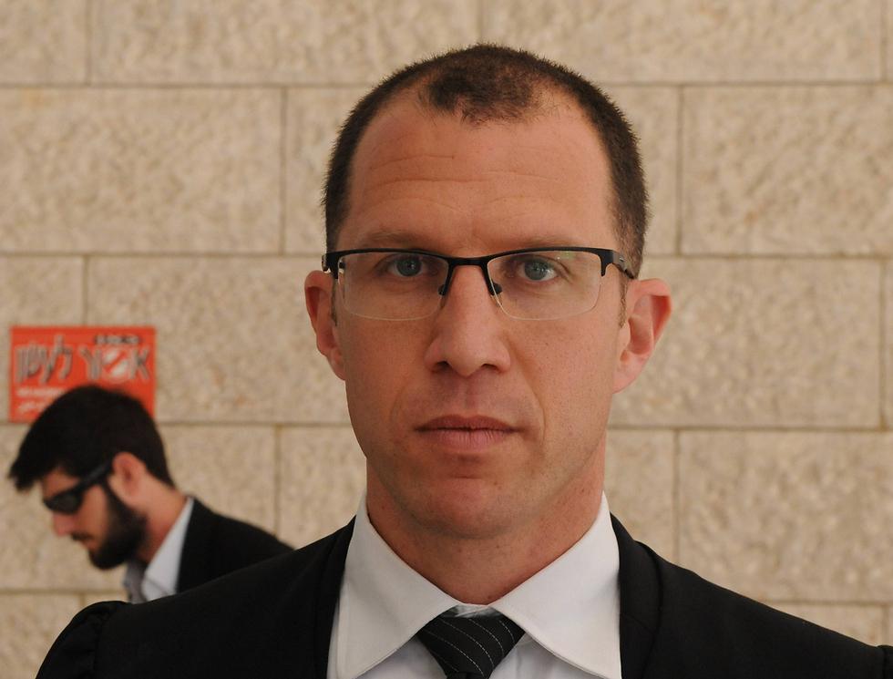 """עו""""ד טל שפירא, פרקליטו של הבכיר במשרד התקשורת (צילום: ישראל יוסף) (צילום: ישראל יוסף)"""
