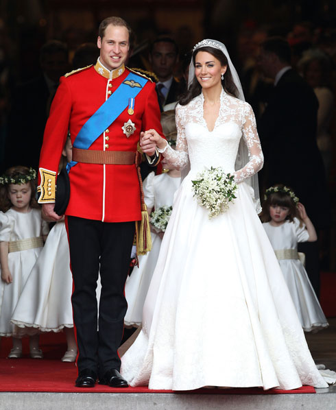 עלתה כ-750 אלף שקל. שמלת הכלה של קייט מידלטון בעיצוב בית האופנה אלכסנדר מקווין (צילום: Gettyimages)