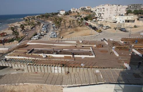הקמת הבניין, שתוכנן ע''י פוקסס האיטלקים בשיתוף יואב מסר המקומי. כאן שכן בית חולים ממשלתי (צילום: עמית מגל)
