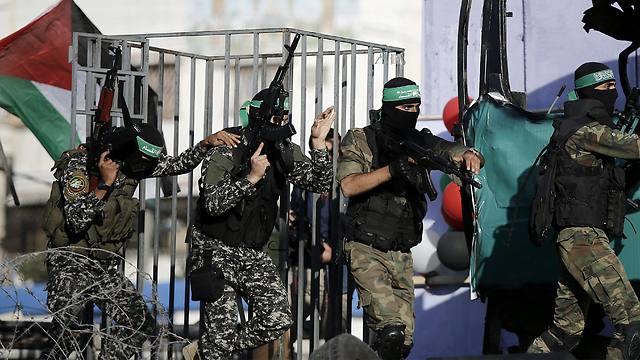 Hamas militants (Photo: EPA)