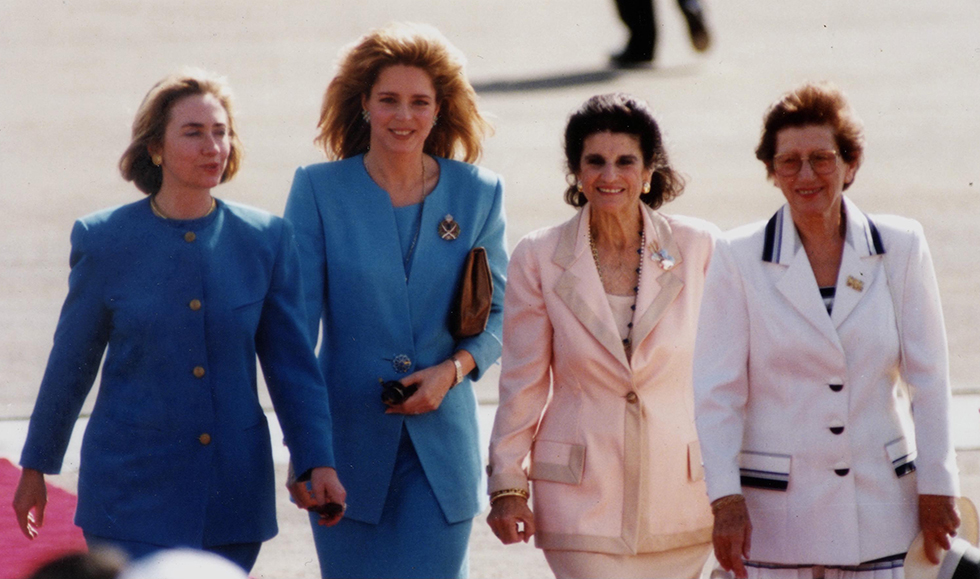 Hillary Clinton, Queen Noor, Leah Rabin, and Leah Weizmann at a ceremony after the signing of the Israel-Jordan Peace Treaty in the Arava, 1994 (Photo: Government Press Office)