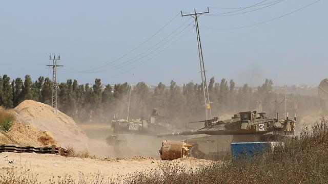 """כוח צה""""ל בסמוך לגבול הרצועה (צילום: בראל אפרים) (צילום: בראל אפרים)"""
