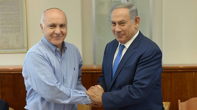 Netanyahu and former Shin Bet Director Yoram Cohen (Photo: Amos Ben Gershom/PMO)