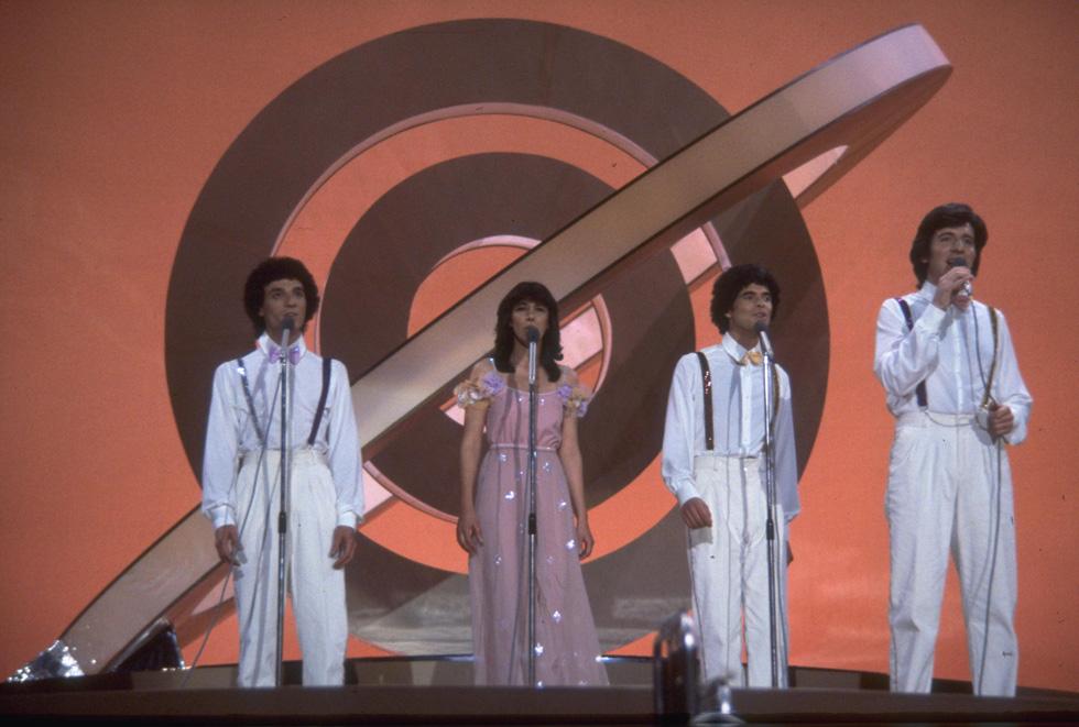 """אירוויזיון 1979: להקת חלב ודבש במראה לבן ואלגנטי (צילום: משה מילנר, לע""""מ)"""
