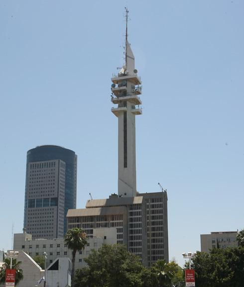 באמצע הכרך: המגדל הצבאי הכי בולט במדינה, מגדל המרגנית (צילום: צביקה טישלר)