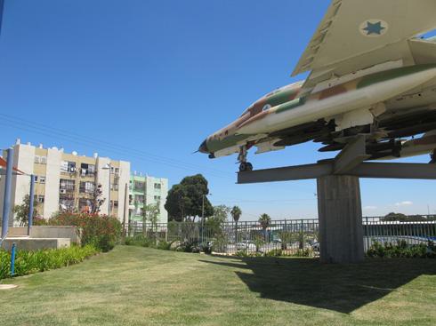 ובכל עיר יש גם טנק, תותח או מטוס: צפו בסקירה הארצית (צילום: מיכאל יעקובסון)
