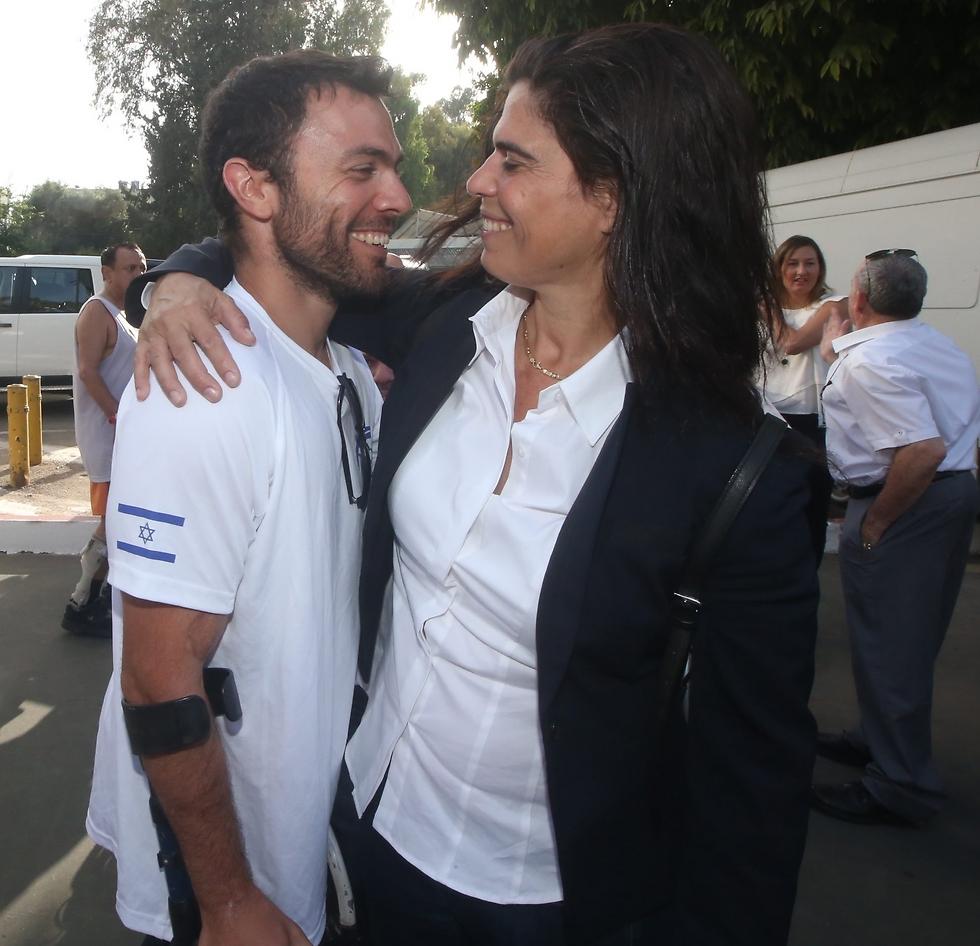 גרשוני עם יעל ארד. שני גיבורי תרבות ספורט (צילום: אורן אהרוני) (צילום: אורן אהרוני)