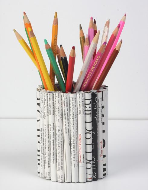 מתקן לעפרונות מפחית (צילום: אירית זילברמן)