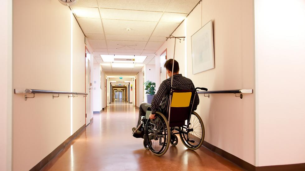 התוצאות מהוות תקווה למציאת תרופות שאולי יסייעו למשותקים לקום על רגליהם (צילום: Shutterstock) (צילום: Shutterstock)