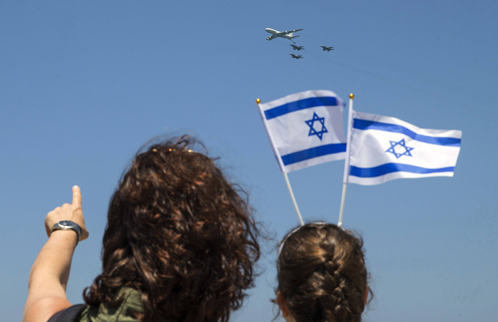 כאשר נהיה מאוחדים מספיק, הכוח החיובי שייווצר מהחיבור בינינו יחלחל מיד אל אומות העולם (צילום: AFP) (צילום: AFP)