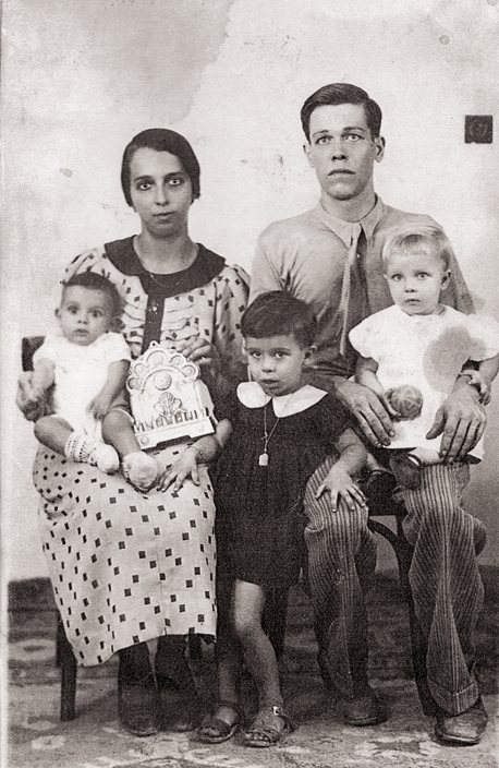 David and Rosa Belleli, my grandparents, with three of their children: Sarah, Tikvah, and Chaim