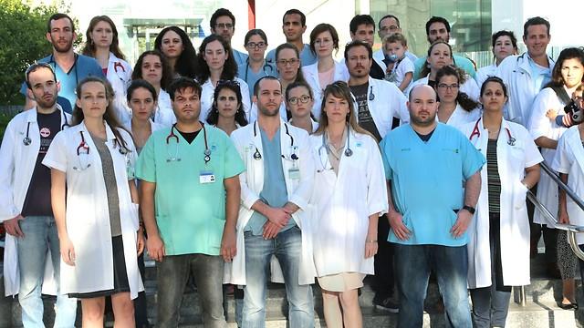נלחמים על הפנים של מערכת הבריאות הציבורית בישראל. מאבק המתמחים (צילום: צביקה טישלר) (צילום: צביקה טישלר)
