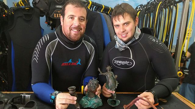 Divers Ran Feinstein (on right) and Ofer Ra'anan (Photo: Ceasarea Diving Club)