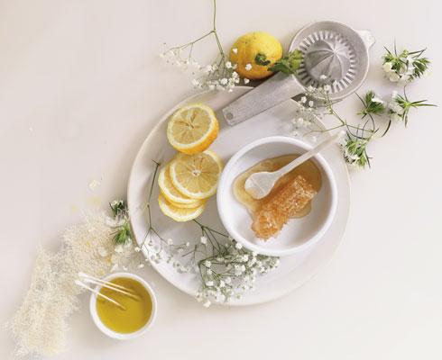קרמים טבעיים לעור הפנים ממוצרים שיש בכל מטבח (צילום: דניה ויינר)
