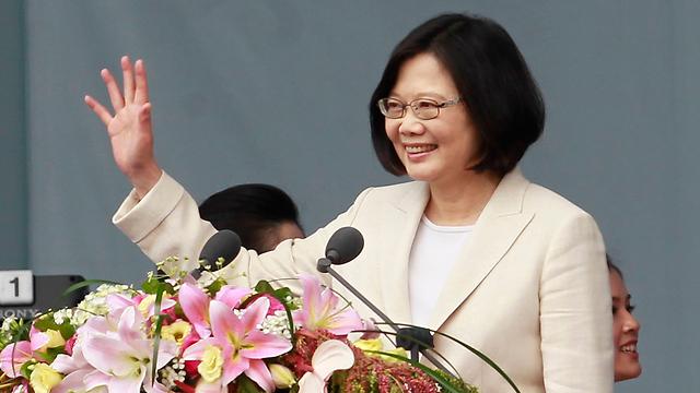 לא מזכירה את מדינתה בנשימה אחת עם סין. טסאי אינג-ון (צילום: AP) (צילום: AP)