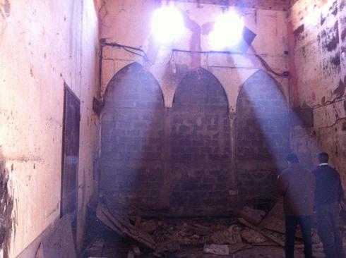 האולם המרכזי לפני השיפוץ (באדיבות נאור מימר אדריכלים)