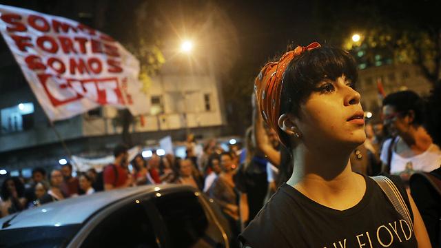 הפגנה נגד הנשיא הזמני טמר בריו דה ז'ניירו (צילום: gettyimages) (צילום: gettyimages)