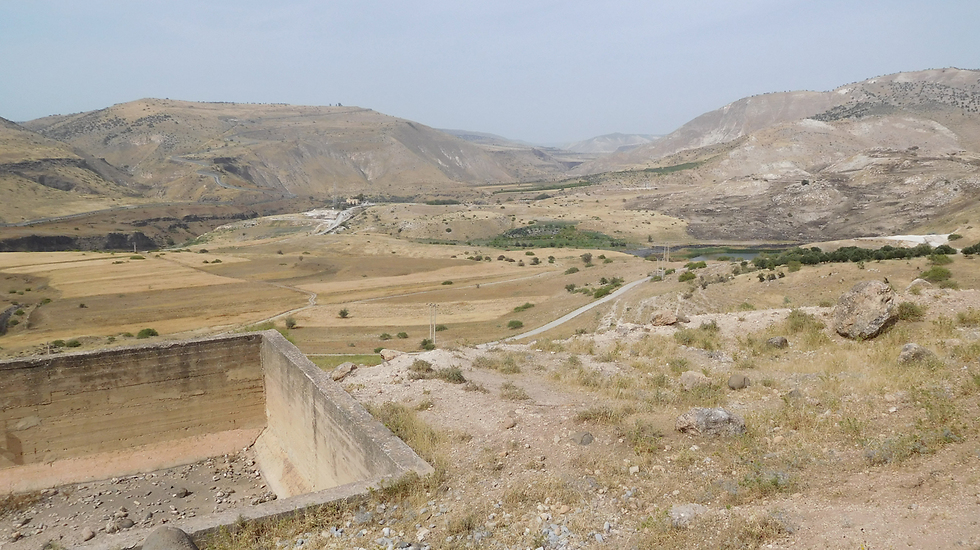 The Jordanian-Syrian border (Photos: Roi Kays)