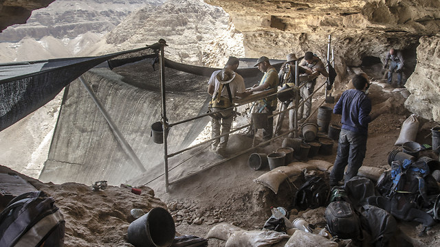 Excavations at Qumran (Photo: Yoli Shwartz)