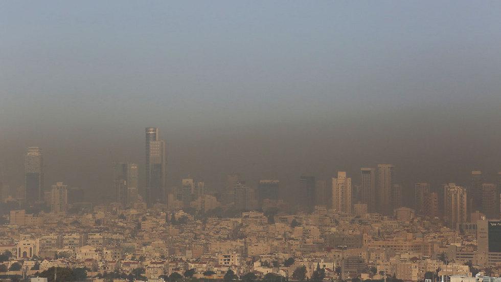 זיהום אוויר בגוש דן. ארכיון (צילום: תומריקו) (צילום: תומריקו)