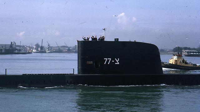 The Dakar submarine leaving Portsmouth (Photo: Dolphin Navy veterans' NGO)